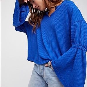 FREE PEOPLE BLUE FLOWY THERMAL